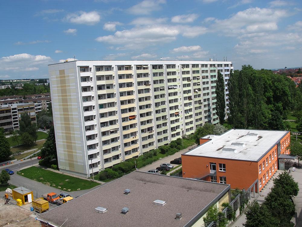 th.inka Stützpunkt Weimar - Weimar West – Blick zum Mehrgenerationenhaus und zur Prager Str. Links zu sehen Humbold-Gymnasium und Moskauer Str.